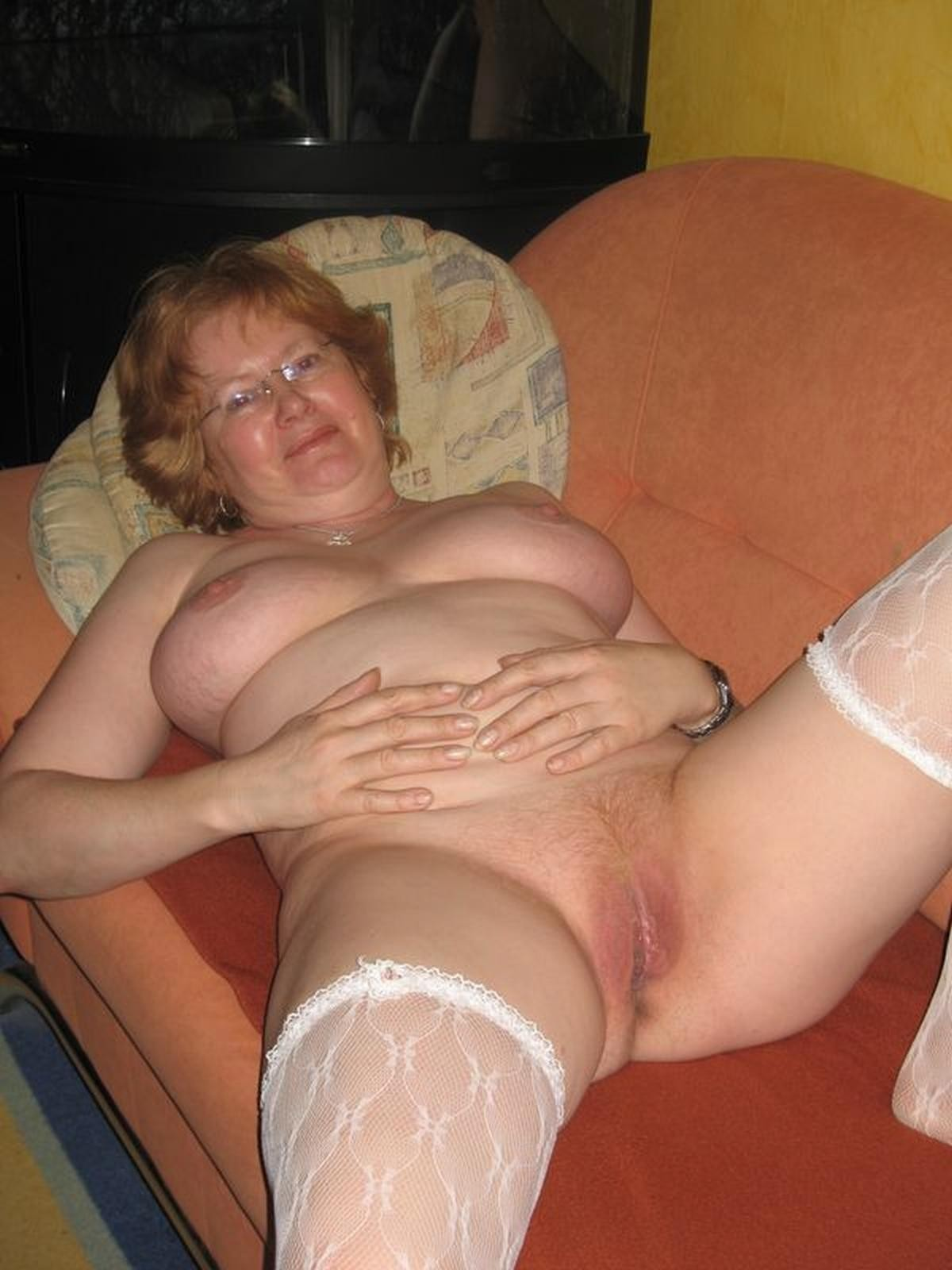 Granny amateurs nude